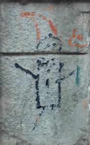 Orange_Alternative_Dwarf_Graffiti_in_Wrocław_2014_P01